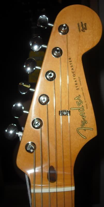 Fender® 50's Stratocaster Maple Surf Green w/Gigbag