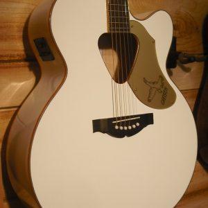 Gretsch® G5022CWFE Rancher Falcon Jumbo Cutaway Acoustic Electric Guitar White
