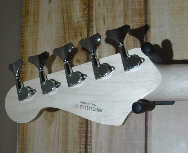 Squier® Affinity Jazz Bass® V Rosewood Fingerboard Black