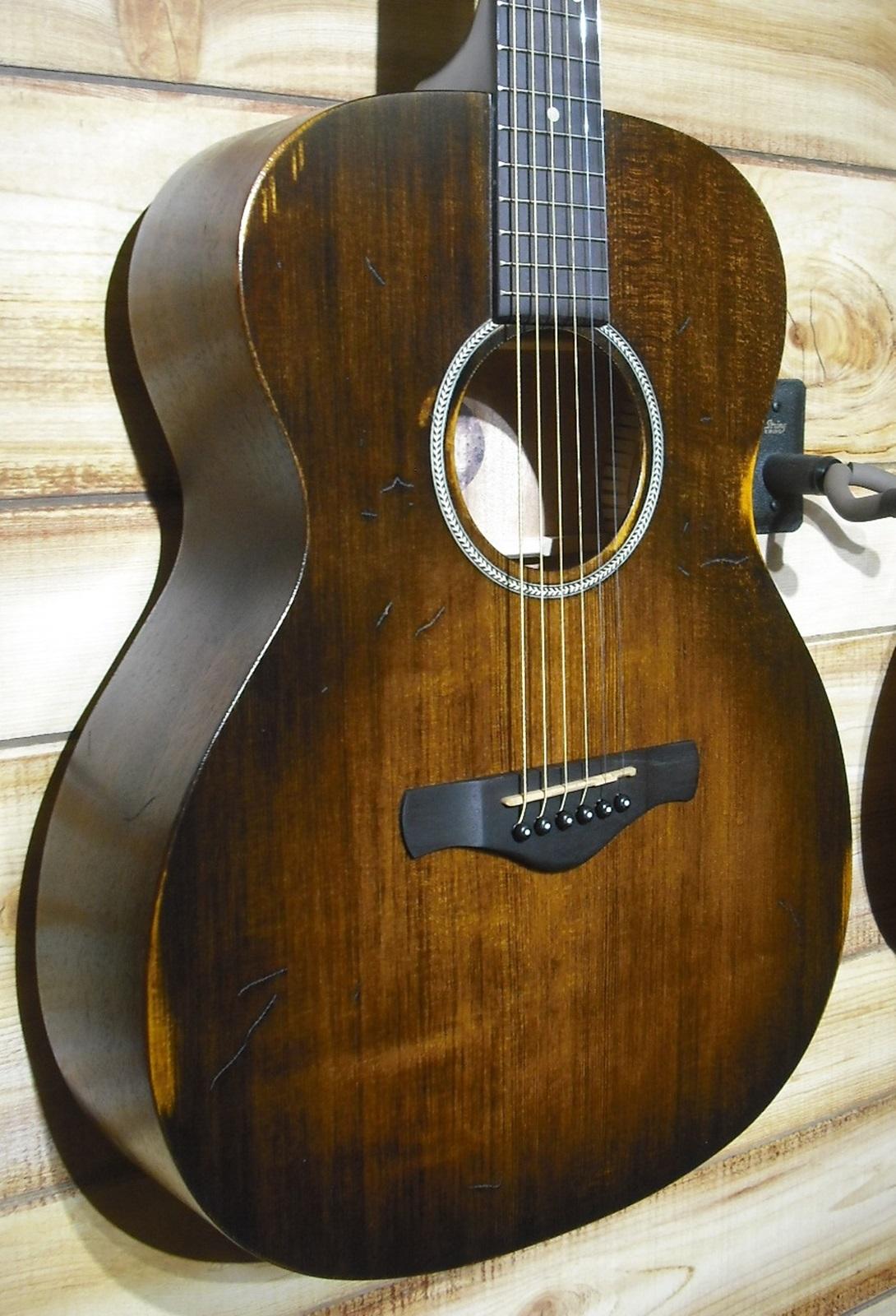 Ibanez AVC6 Grand Concert Acoustic Guitar Distressed Tobacco Sunburst