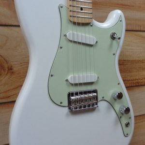 Fender® Duo-Sonic™ Maple Fingerboard Electric Guitar Arctic White