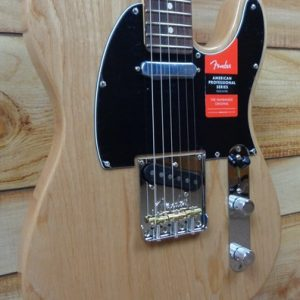 Fender® American Professional Telecaster® Rosewood Fingerboard Natural Ash w/Case