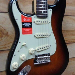 Fender® American Professional Stratocaster® Left-Hand Rosewood Fingerboard 3-Color Sunburst w/Case