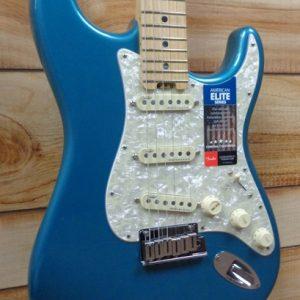 Fender® American Elite Stratocaster® Maple Fingerboard Ocean Turquoise w/Case